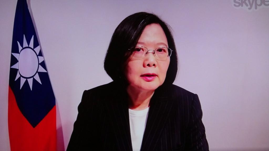 總統蔡英文與美國智庫傳統基金會視訊對談時表示,中國企圖改變現狀,破壞台灣民主體制等作為,為兩岸關係帶來更多挑戰