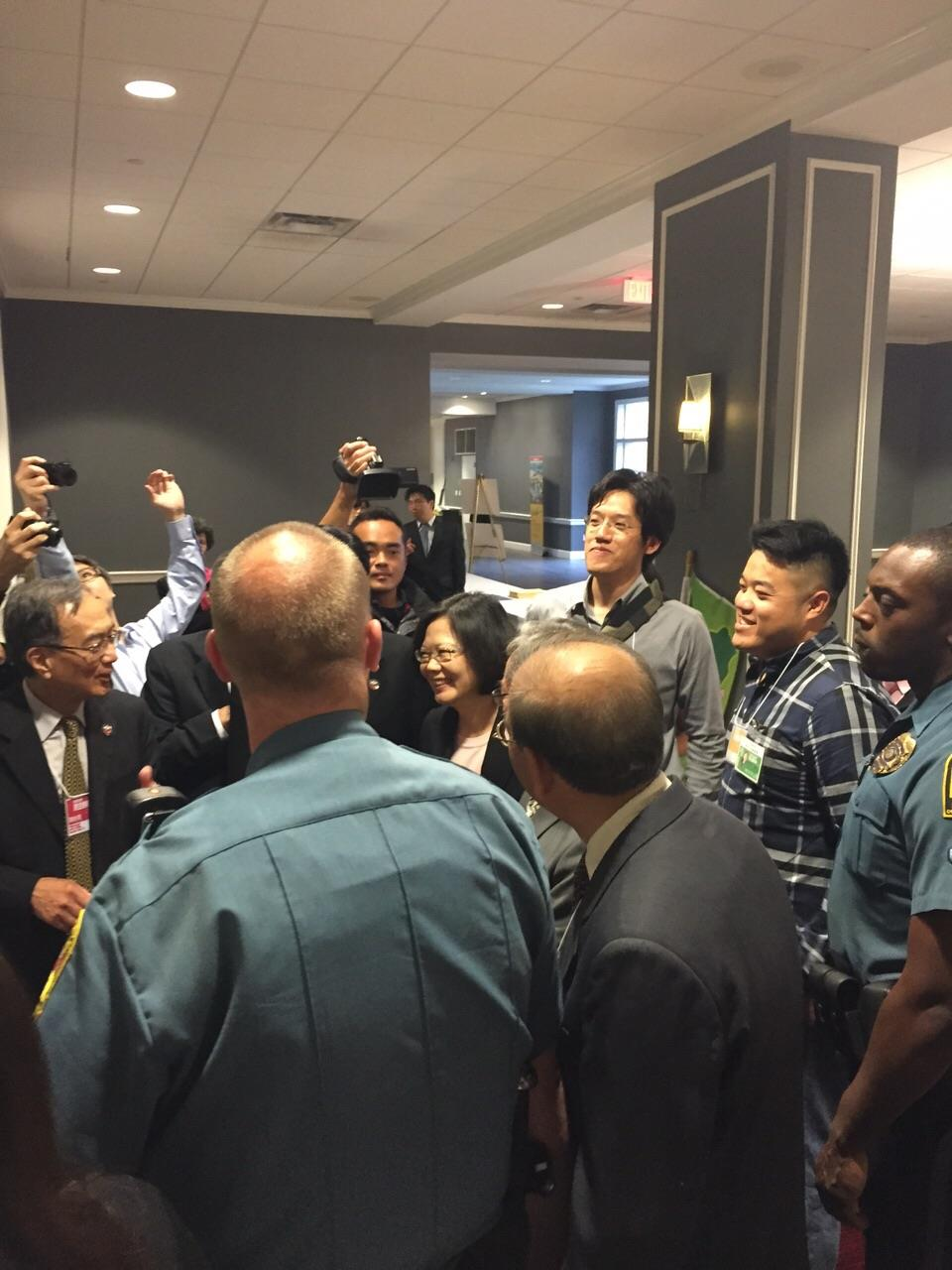 Thousands of Taiwanese abroad welcome Tsai in Maryland