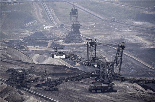 Top doctors' prescription for feverish planet: Cut out coal
