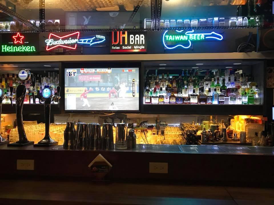一起去台北市好氛圍的運動酒吧瘋世足吧!(照片來源:Da Bar)