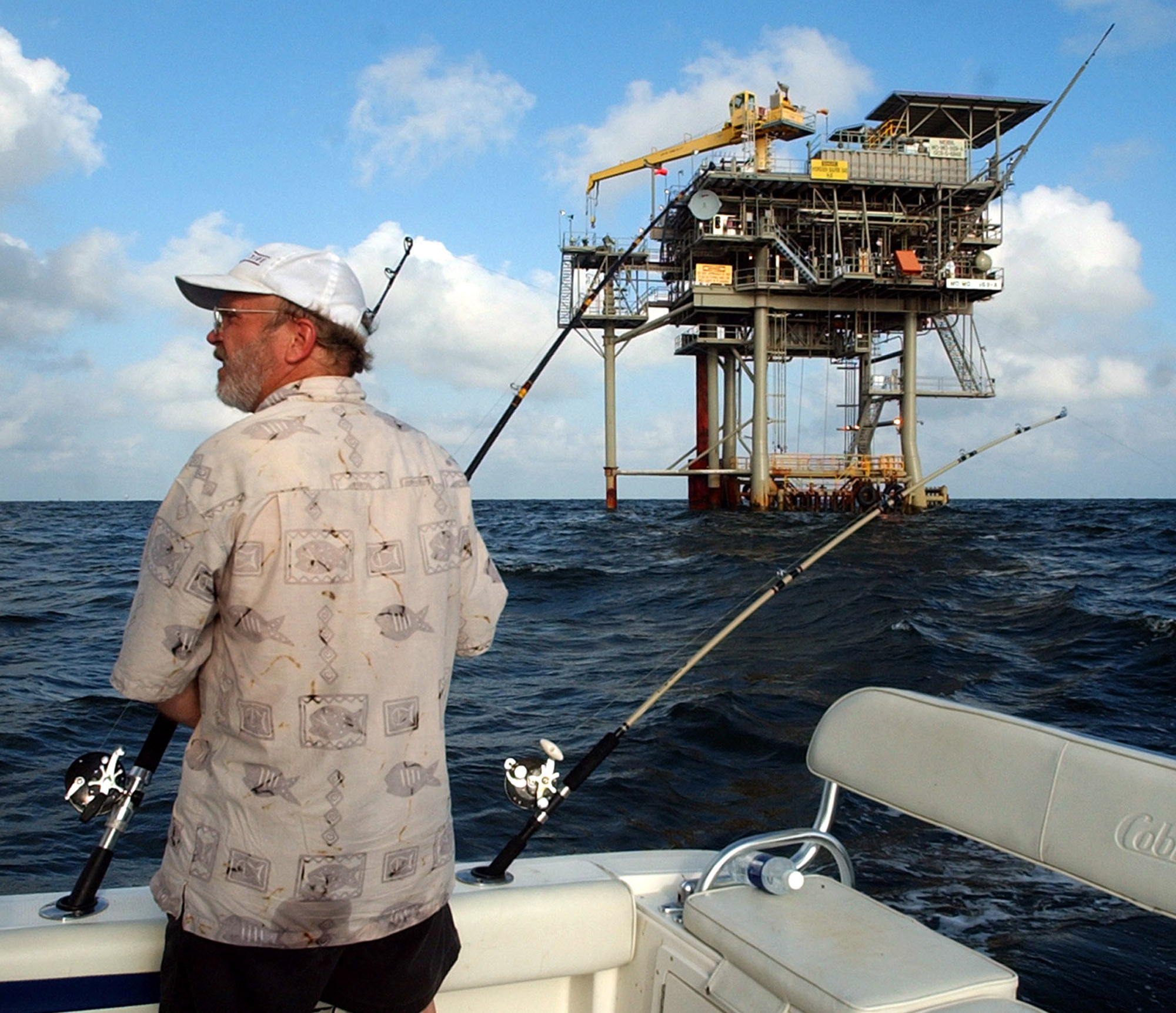 Obama oil-drilling plan small step in climate bill battle