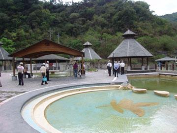 紅葉溫泉免費開放泡湯
