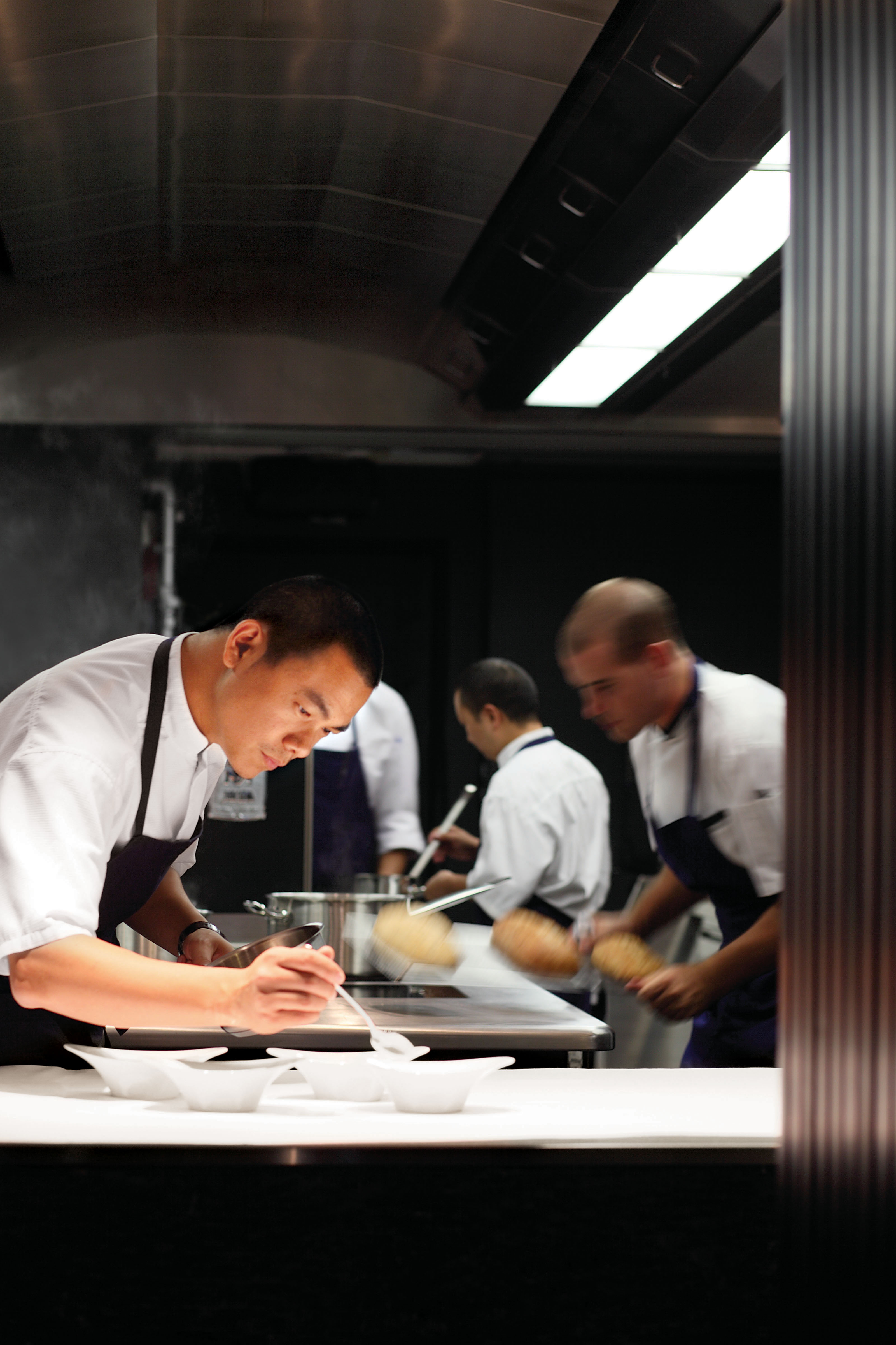 Taiwan-born chef Andre Chiang (left) at work.