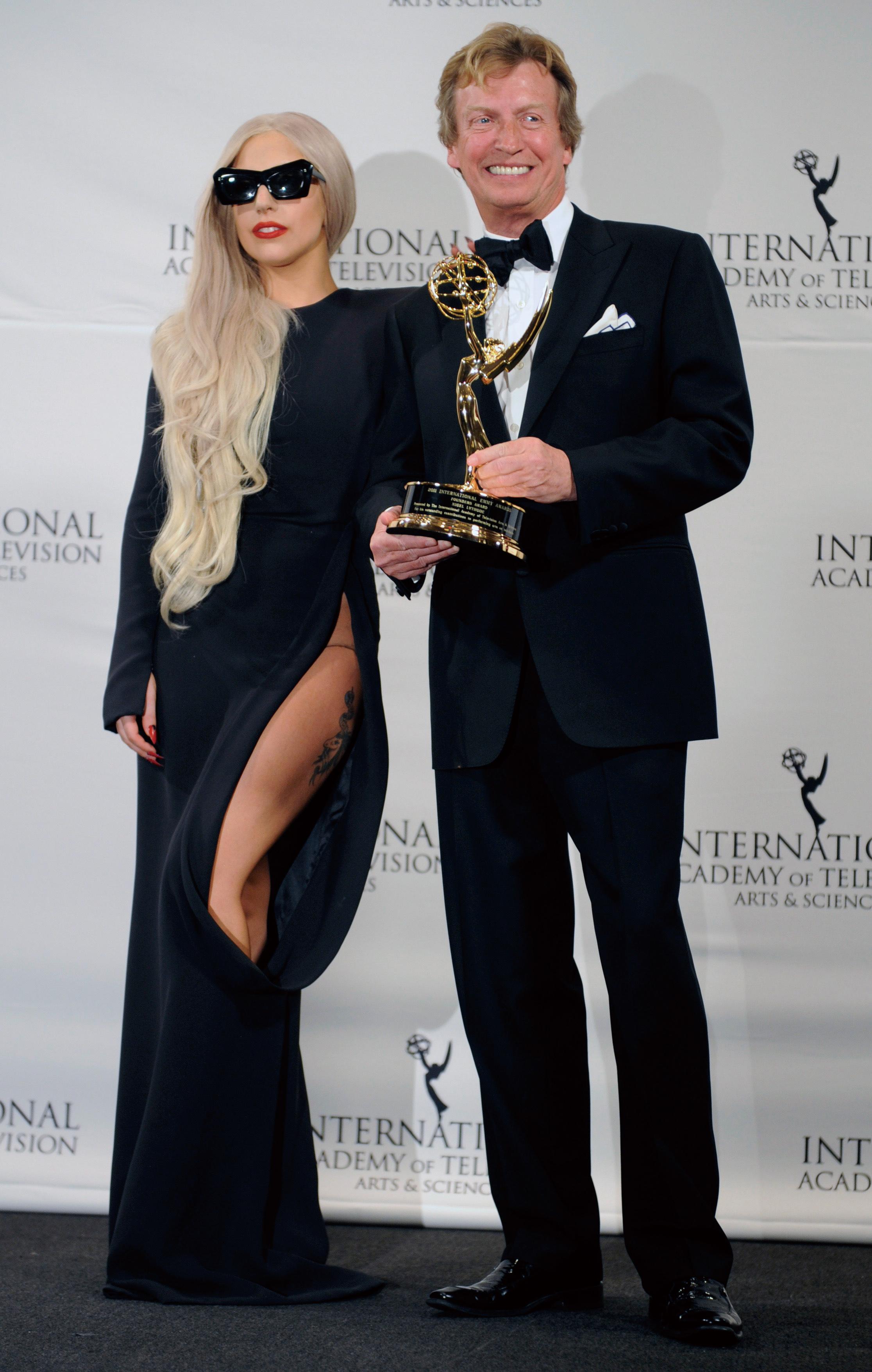 美國葛萊美入圍公布  Adele愛黛兒大贏家  Lady Gaga卡卡屍妝熱唱