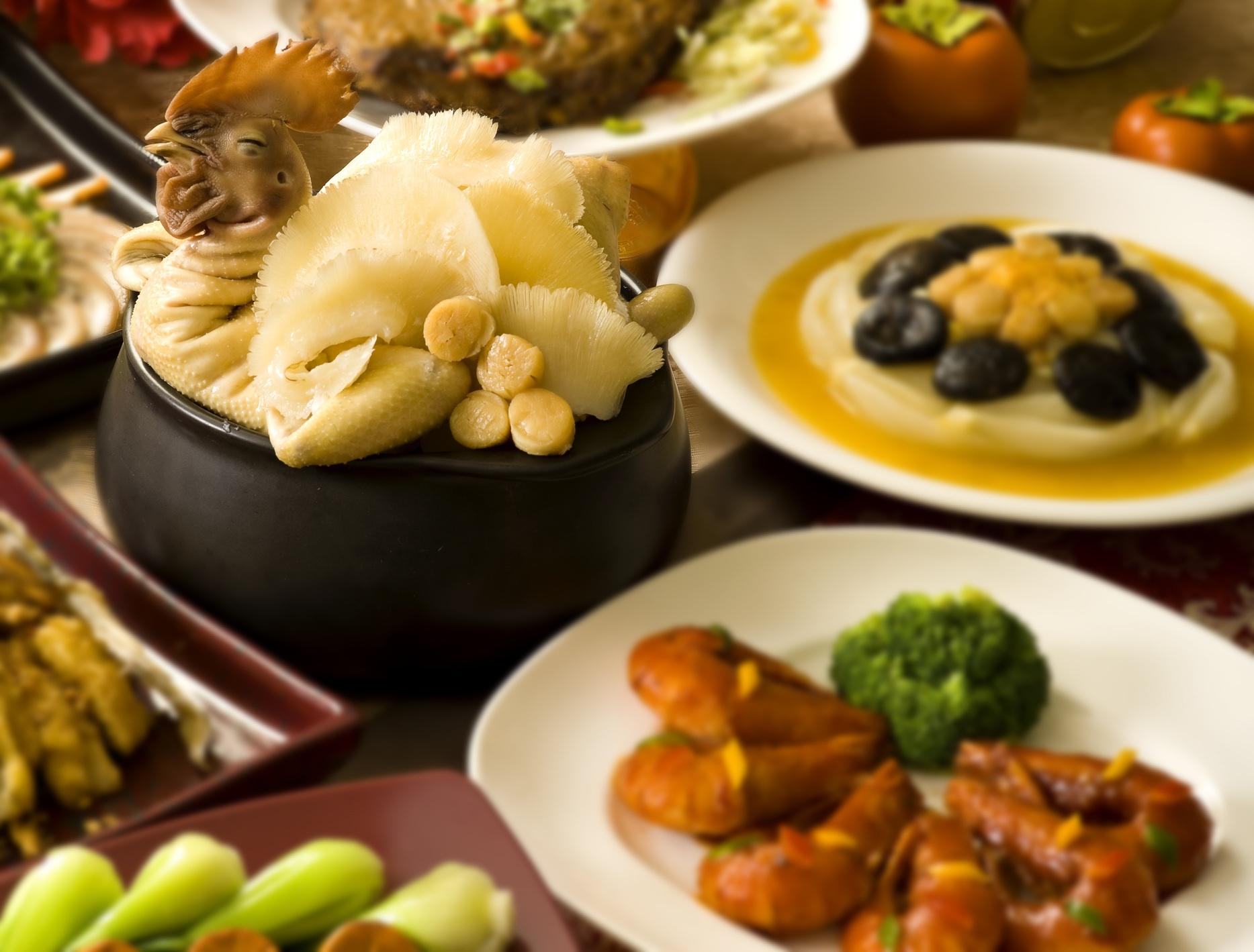 因應母親佳節到,華泰王子飯店提供母親節合菜及首次推出合菜外帶服務,可以針對媽媽的喜好來挑選,讓媽媽在這特別的日子享受特別的貼心。