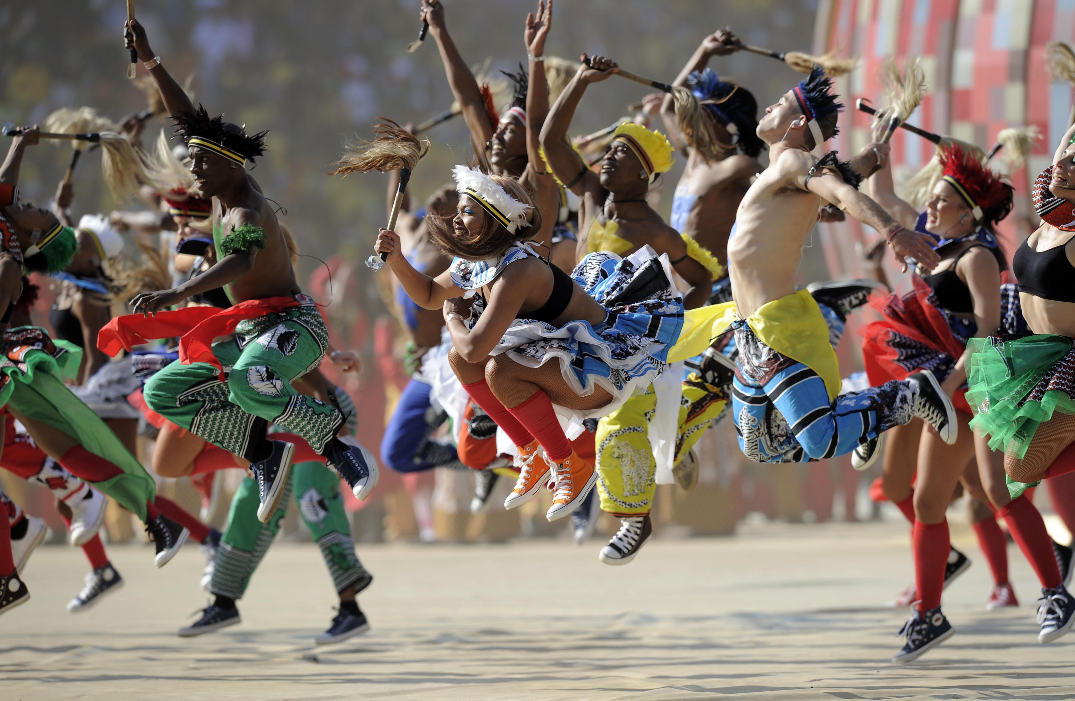 Waving Flag !南非踢進世足第一球