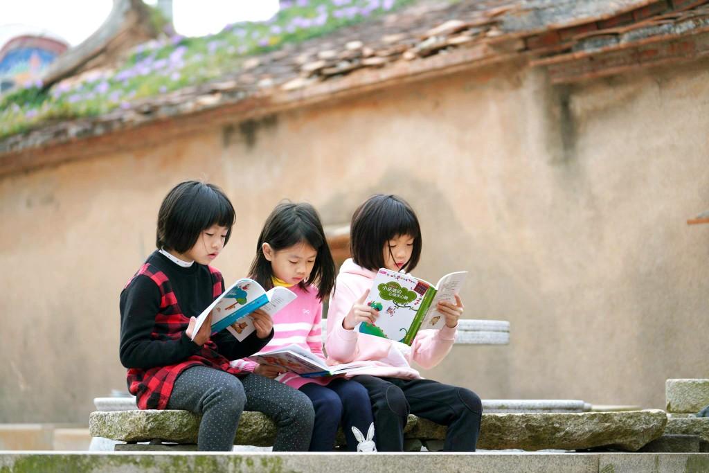 金門縣烈嶼鄉西口國小培養學生閱讀素養。(教育部提供)