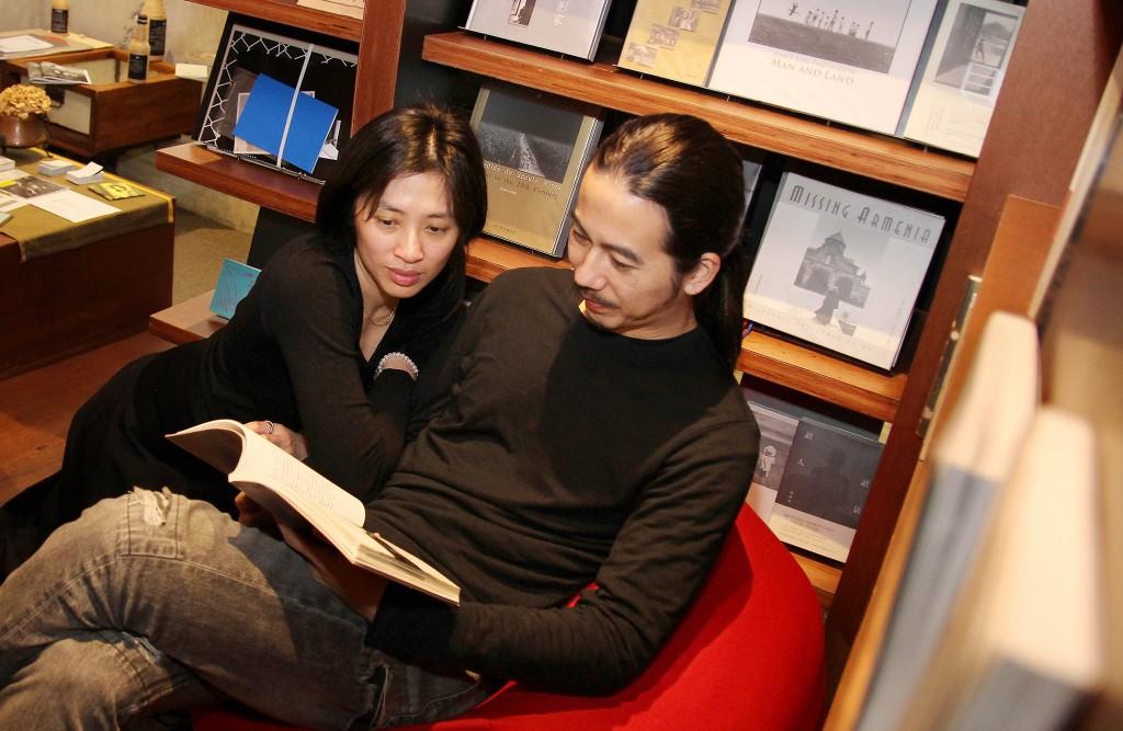 Ting(左)與Hank是夫妻,也是創業的好夥伴。