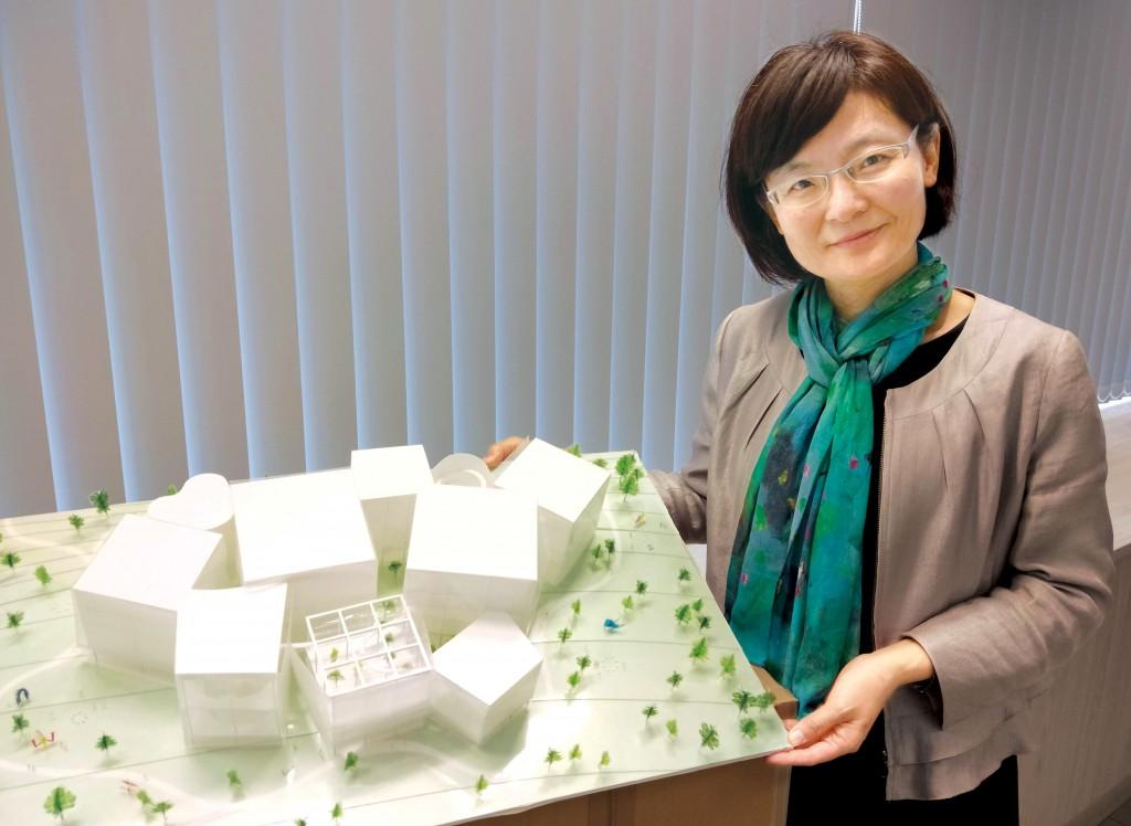 中市圖館長張曉玲說,台中綠美圖是在風景中的一件藝術品。(中市圖提供)