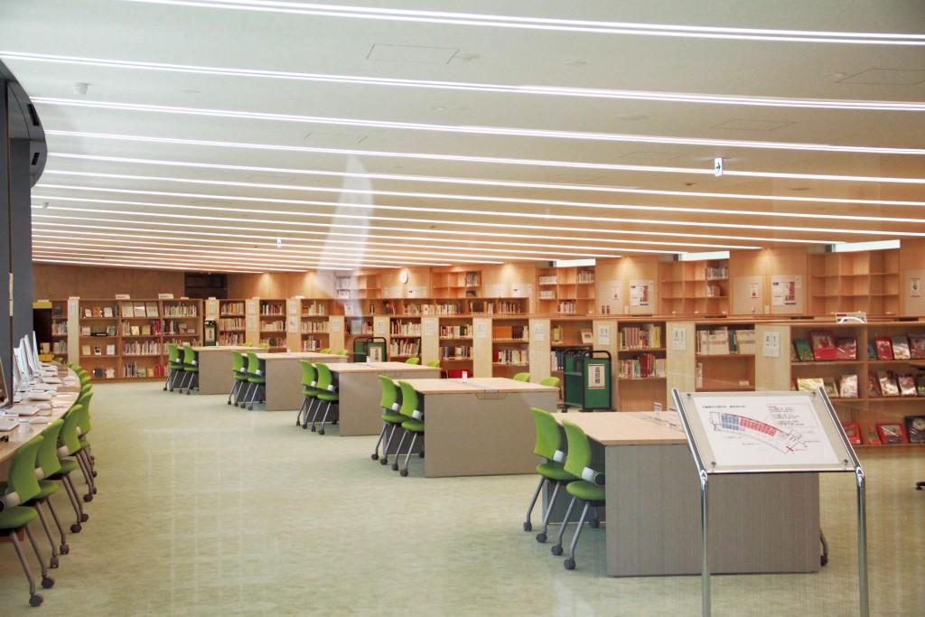 二樓「兒童書資料研究室」內部空間。