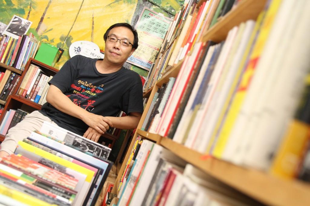 張正用閱讀推動東南亞文化。