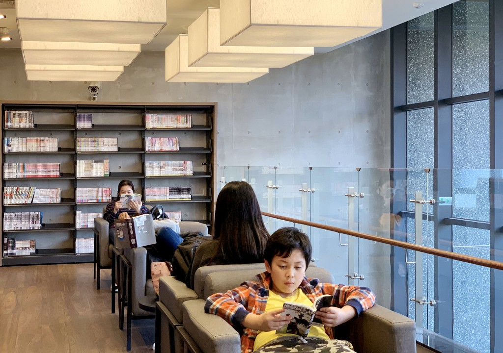 台中李科永圖書館三樓青少年閱覽區。