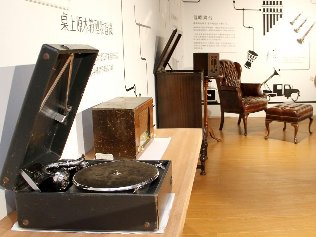 在桃園市立圖書館龍潭分館暨鄧雨賢台灣音樂紀念館,可認識音樂的多元樣貌。