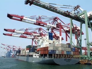 Kaohsiung Harbor ranks as 13th largest in cargo throughput