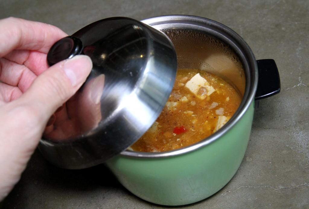 深入台灣家庭烹調美味記憶大同電鍋。