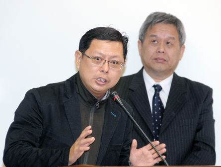 Labor groups call for 18% wage raise at least