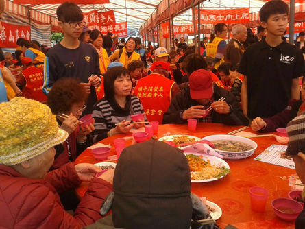 40,000 underprivileged people treated to free luncheon