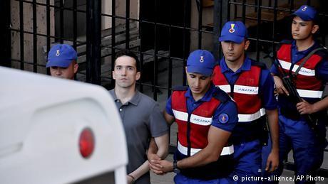 Turkey releases Greek soldiers accused of spying