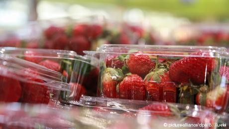 Needles found in Australian strawberries sold in New Zealand