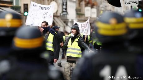 France's 'yellow vest' protesters block major route to Spain
