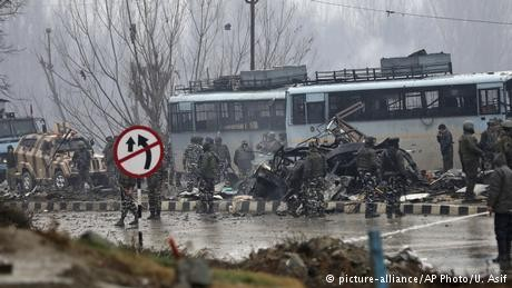 Kashmir suicide car bomb kills at least 33 Indian soldiers