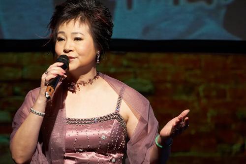 Wen Siang popularized many beautiful Taiwanese ballads to the world.