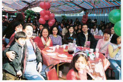 Pinoys in Taichung share a light moment at a Christmas party last Sunday.
