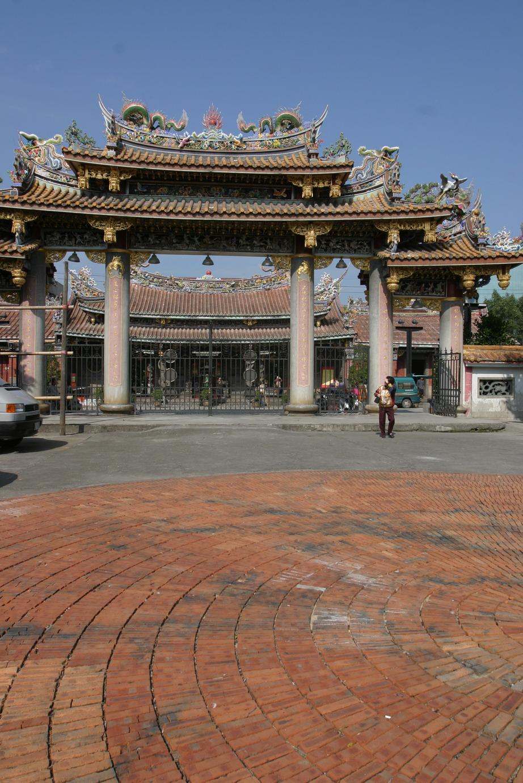 明年3月開始台北保安宮紫微閣前廣場每週五、六將有歌仔戲匯演(陳衍吟攝)