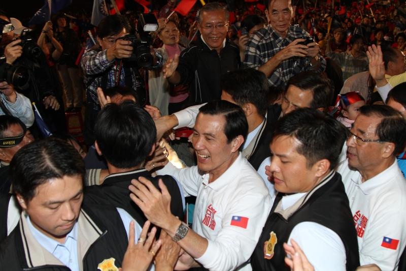 中國國民黨26日在台中舉行黨慶。,主席馬英九表示,台灣需要的是一個能再次將台灣帶出經濟衰退的政黨。(Jimi Liao)   ,國民...