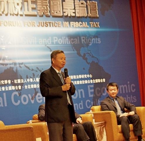 前衛生署長楊志良憂心再度重批財政部是最爛的部、李述德和張盛和是最爛部長,該課的稅不課,又降了不該降的稅,讓台灣財政大崩壞。