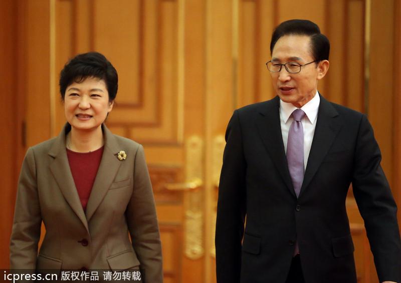 李明博朴槿惠就政權交接等吋題進行會晤。(轉載自icpress.cn)