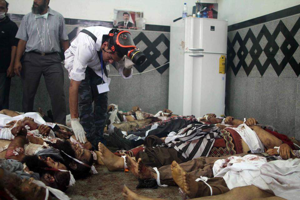 埃及警方14日掃盪開羅街頭,穆斯林兄弟會聲稱傷亡人數破2000人。(中新網)