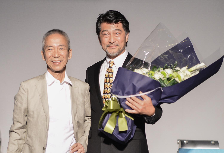 金色三麥董事長葉榮發(右)和日本精釀啤酒協會會長小田良司(左).