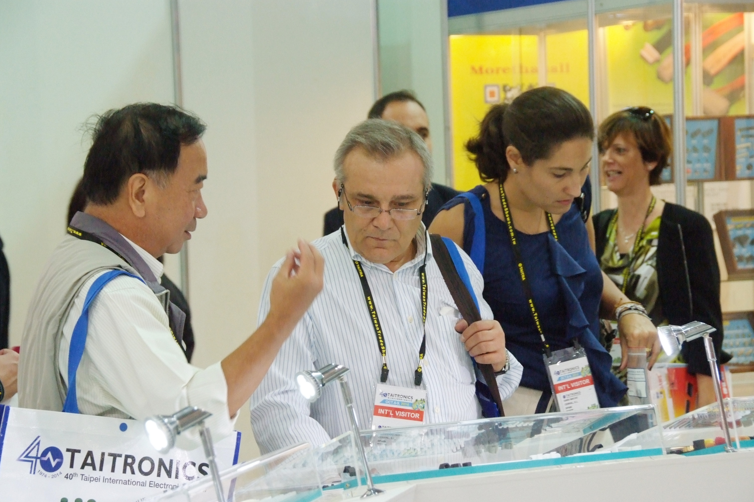 電子展展品引起國外買主高度興趣-2