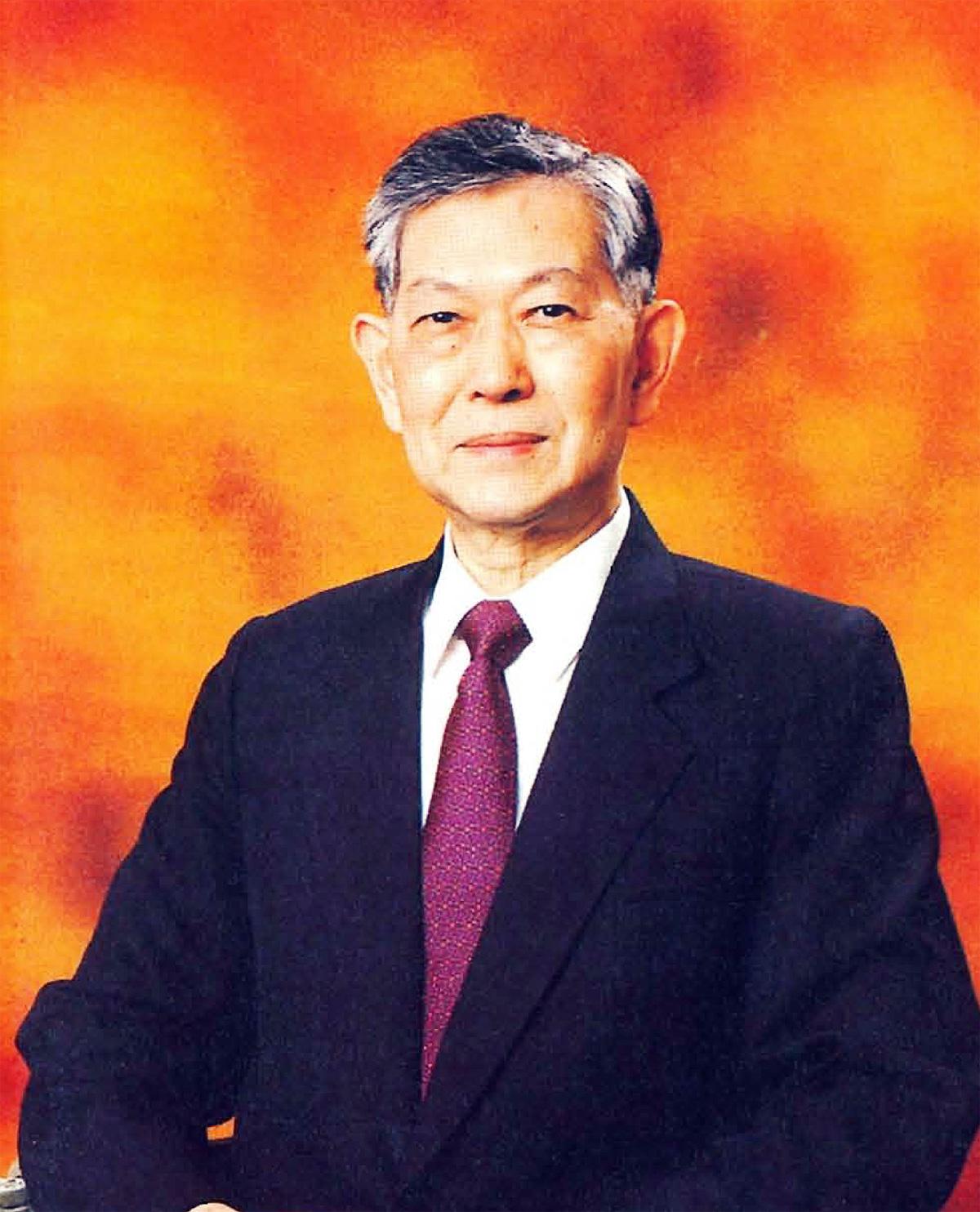 台灣食品老牌義美食品董事長高騰蛟先生,6日凌晨在家睡夢中辭世,享壽89歲。