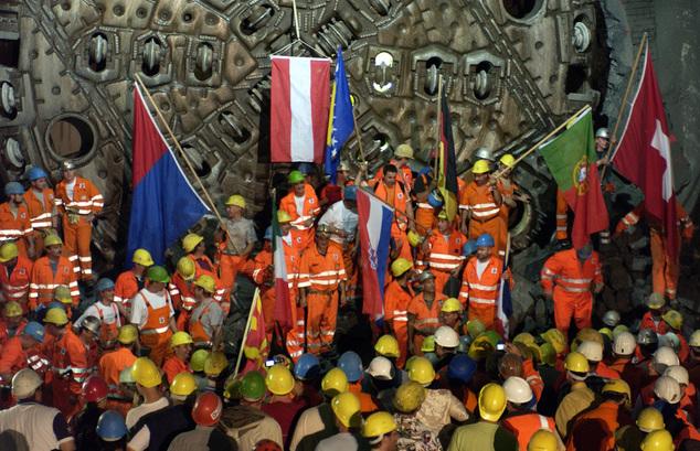 工程大躍進 瑞士「聖哥達基線隧道」通車了