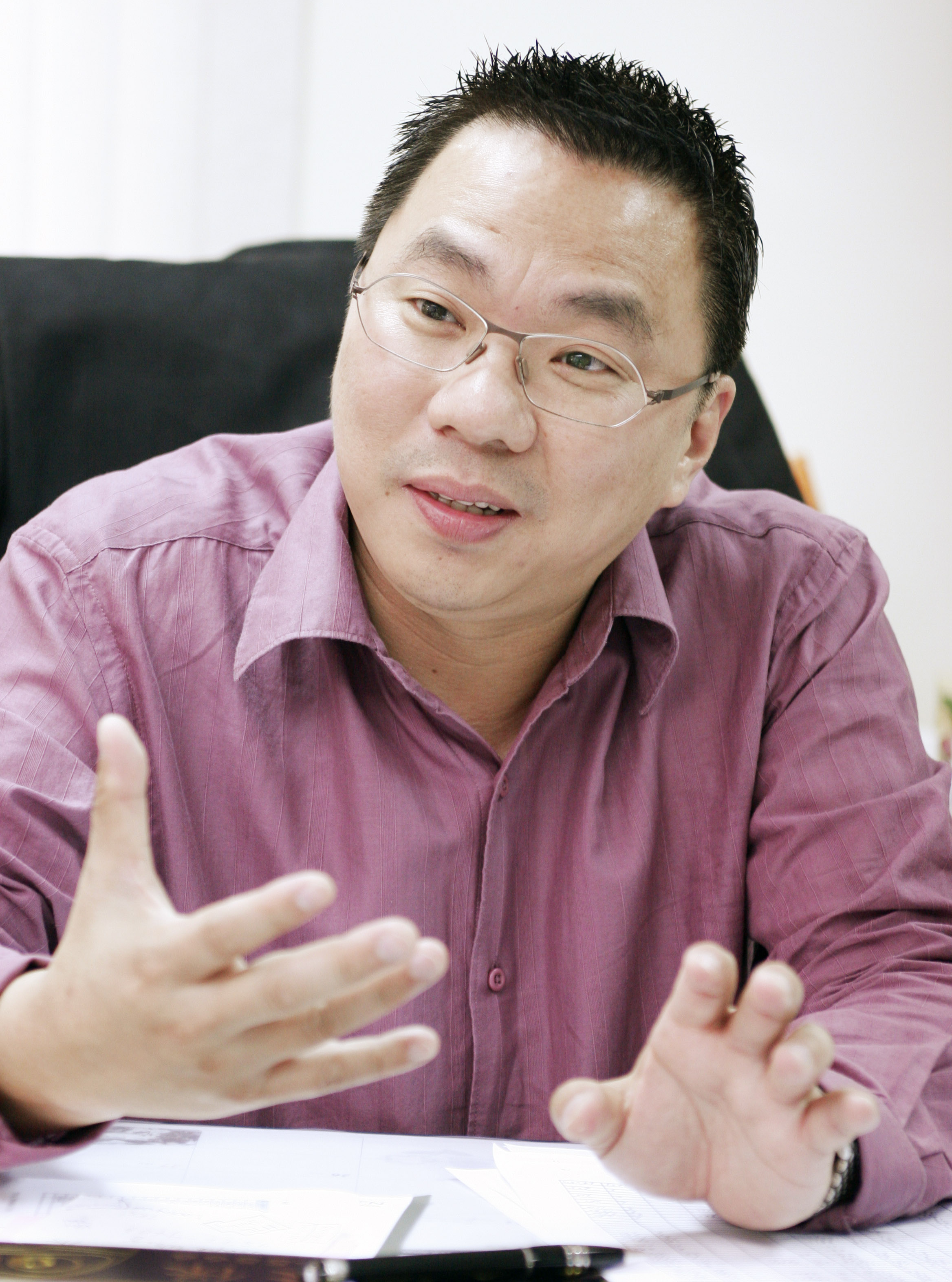 EEC Elite Express CEO Kenneth Keh says his team will be expanding their service offerings to Indonesian migrants starting this year.