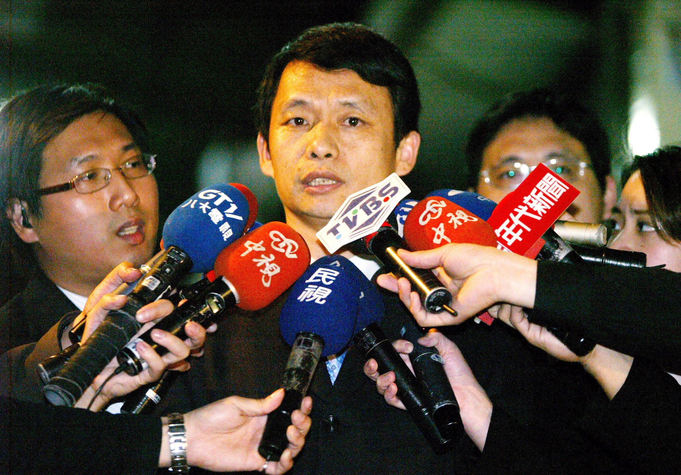 Prosecutor Hou Kuan-jen on February 13 explains his decision for the indictment of former Taipei mayor Ma Ying-jeou on embezzlement charge.