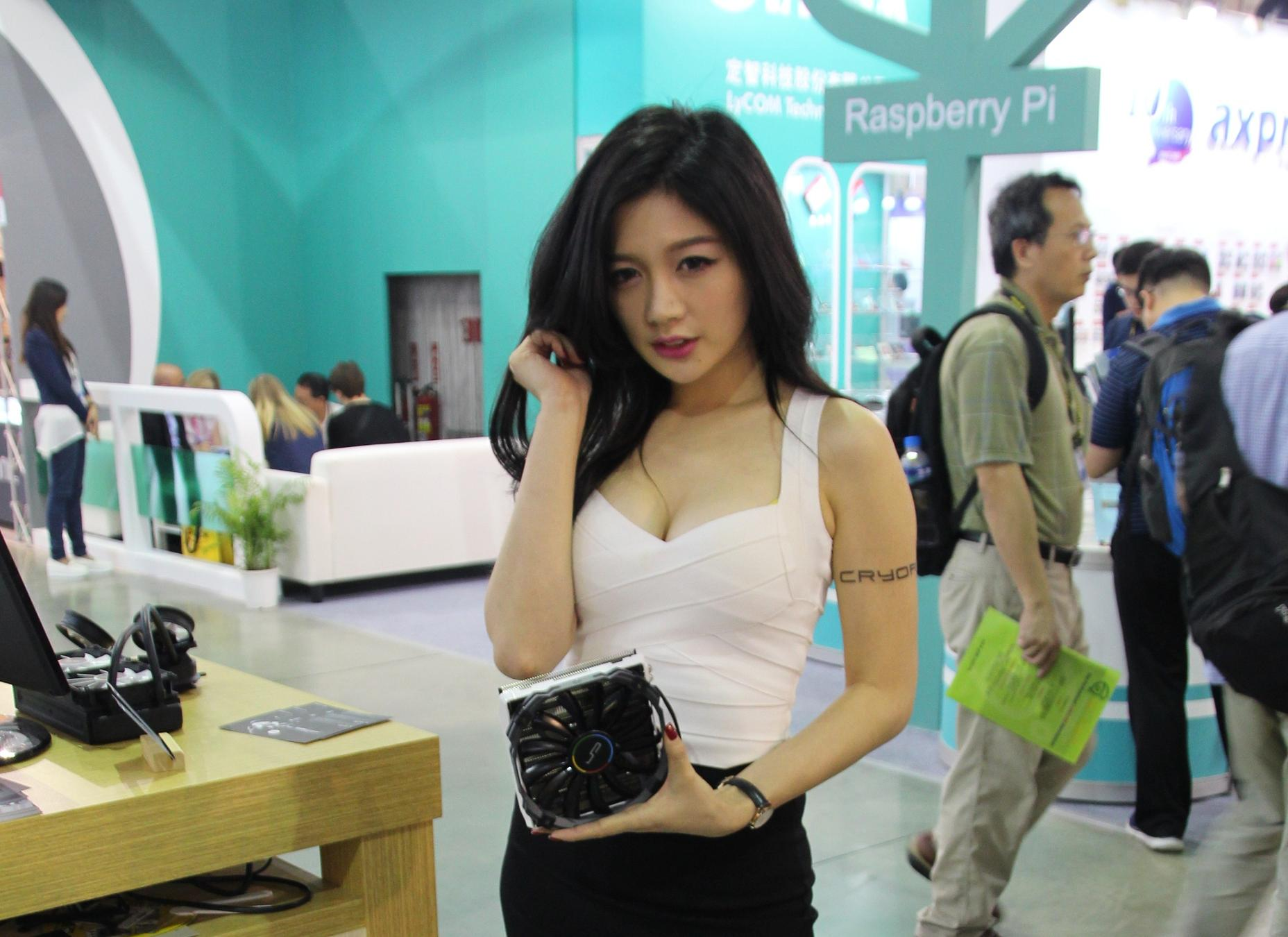 A showgirl holding the C1 cooler for display at the Cryorig booth at Computex Taipei on Thursday.
