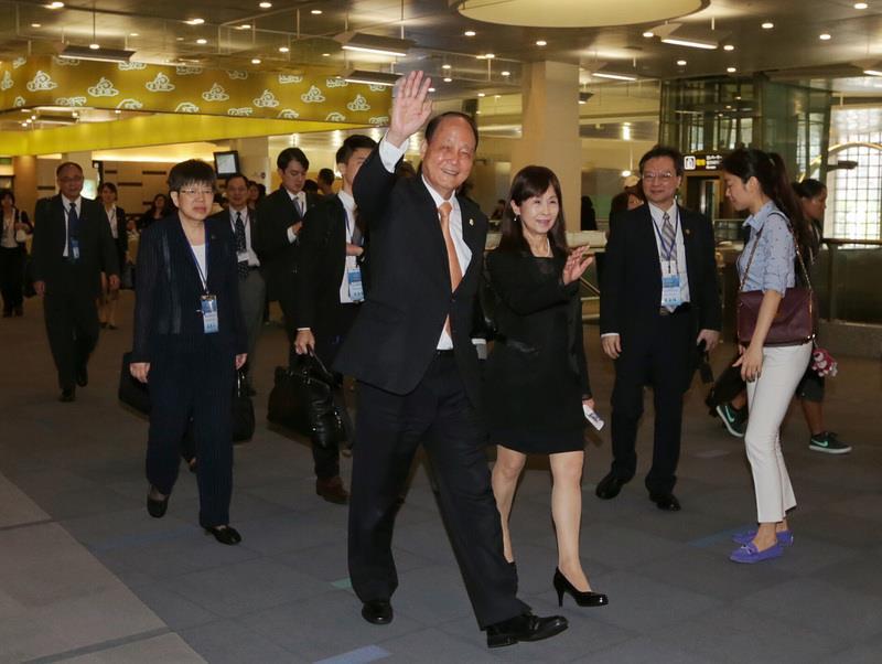 SEF Chairman arrives in Fuzhou for Summit talks