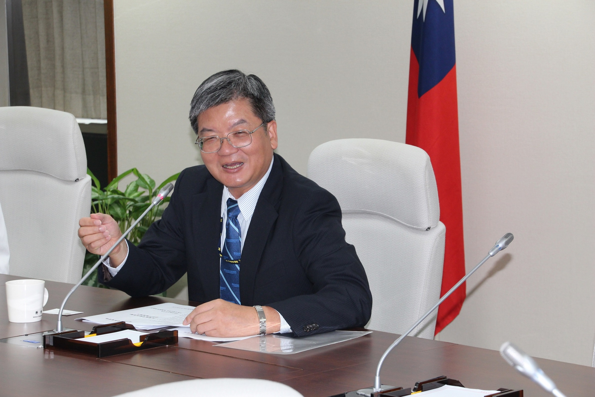 MOST Minister Chien Chung-liang hosted NCHU's nanotechnology presentation on Thursday.