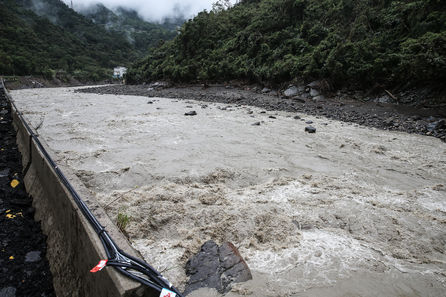 Ko: central government must help resolve murky river