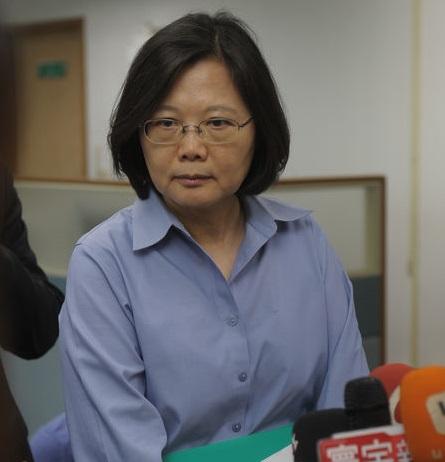 Tsai slams Lien over war history