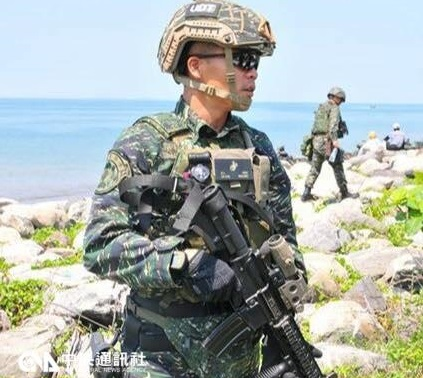 Defense ministry denies troops needing to pay for own gear
