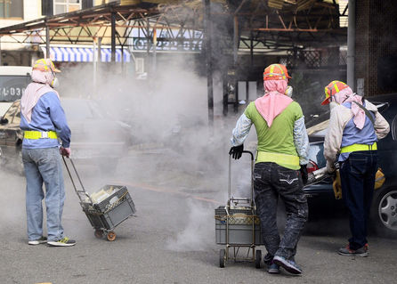Kaohsiung to recruit 200 temporary staff to help fight dengue