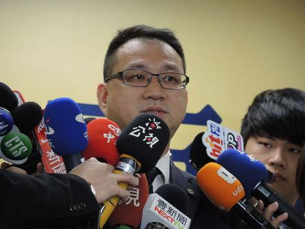 DPP, KMT agree on three presidential debates