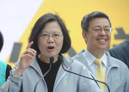 Taking cheap shots at the DPP will not help cover up incompetency: Tsai