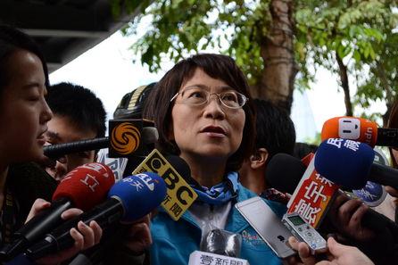Chu, Wang remarks on minimum wage level spark public debacle