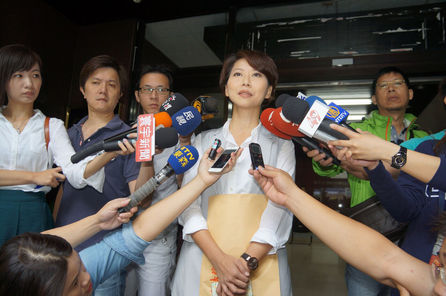 DPP calls on KMT to end political spat over pork imports
