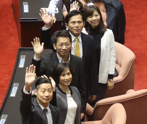 Young NPP rookies sworn in for the first time in Legislative history